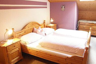 Schlafzimmer - Ferienwohnung in Bayern